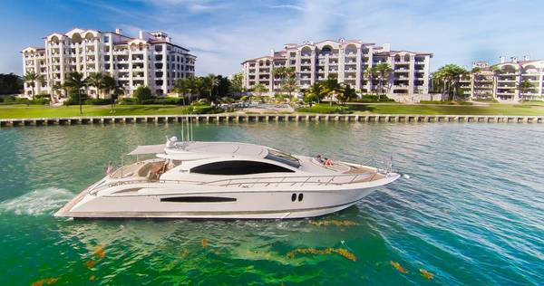 58 Foot Azimut Yacht Rental South Beach