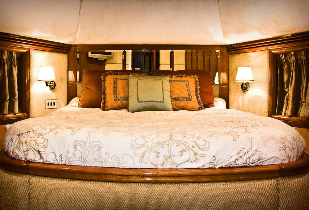 bedroom miami boat rentals