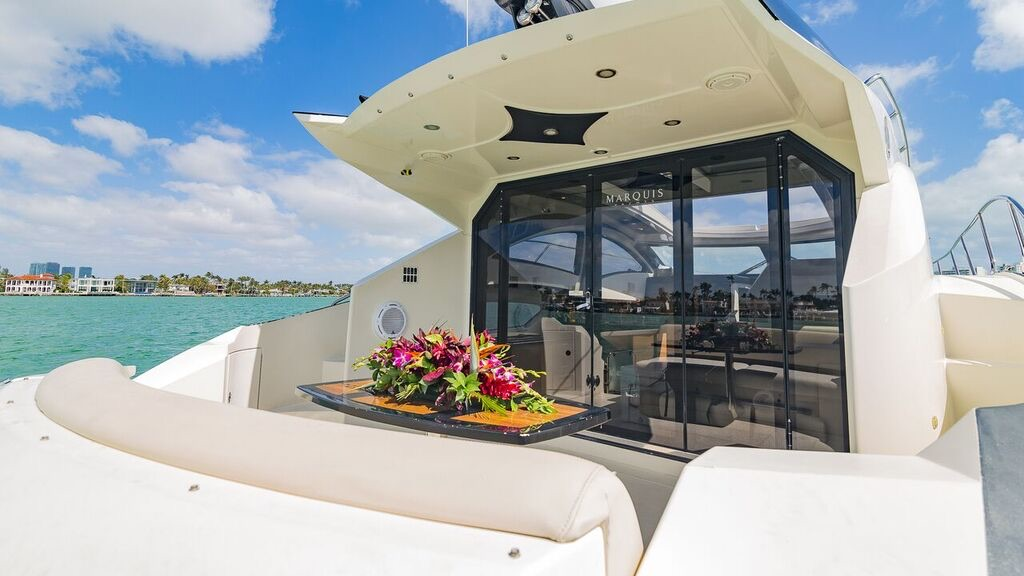 43-foot-yacht-rentals-miami