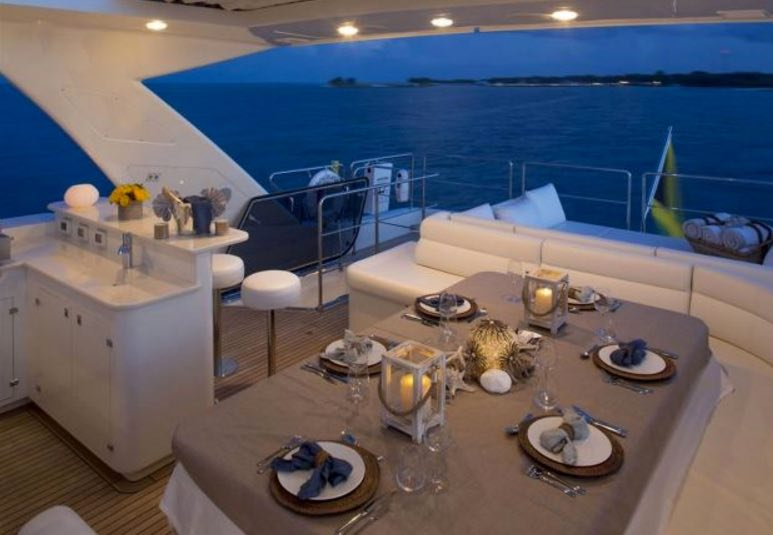 97-foot-yacht-rental-miami-sit