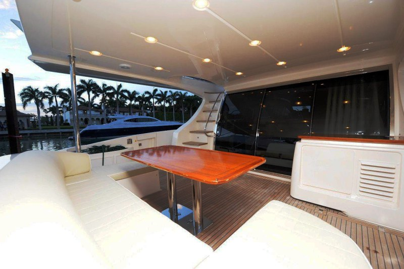 aft deck 70 florida luxury yacht charter