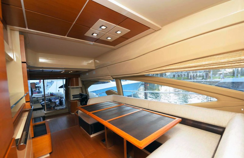 dinette 70 florida luxury yacht charter