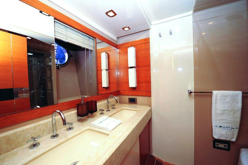 master bath 70 florida luxury yacht charter