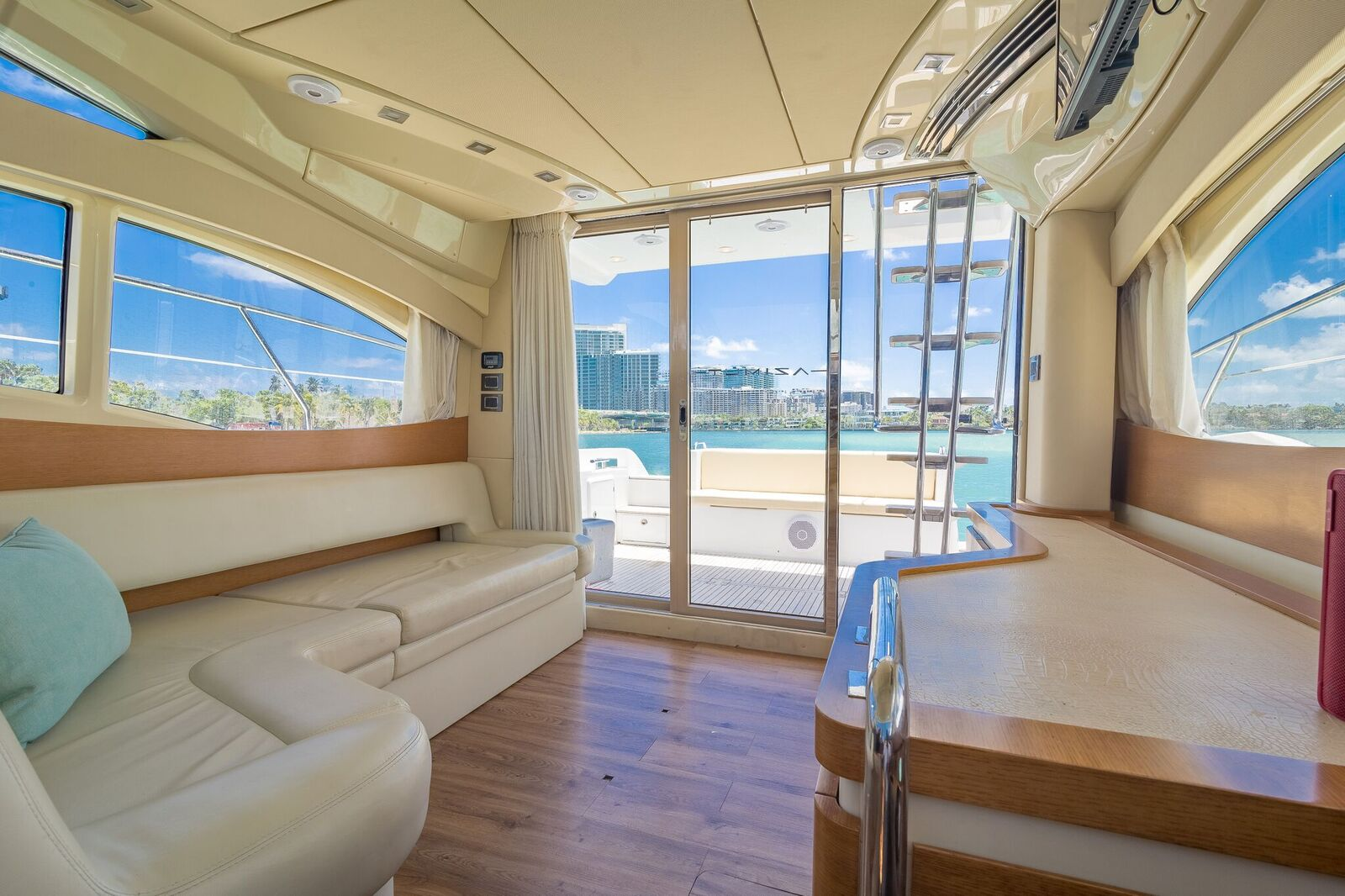 Luxury Yacht Rental Miami Azimut Flybridge Salon
