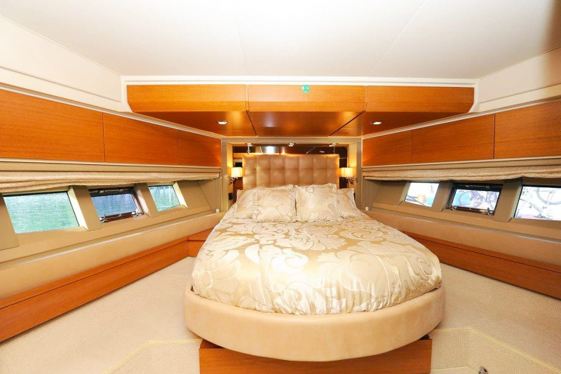 vip stateroom 70 florida luxury yacht charter