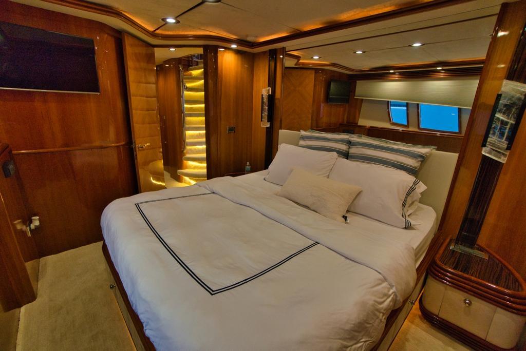 105' sunsekeer mega yacht