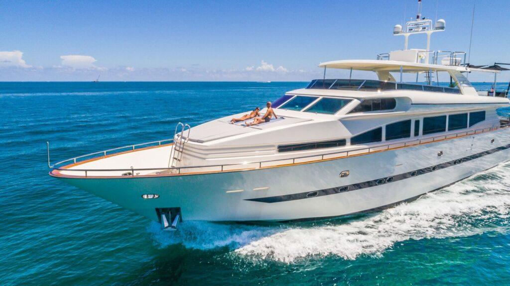 115' Horizon south florida yacht charters