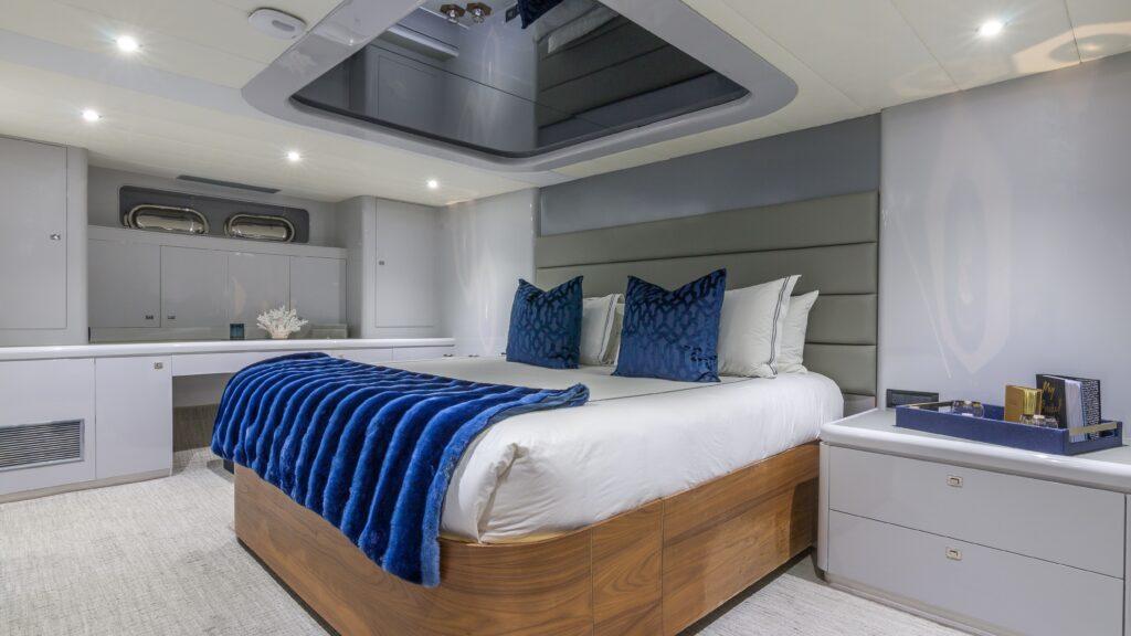 115' Horizon south florida yacht rental
