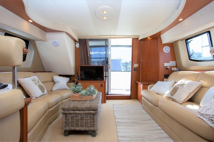 47' Silverton yacht charters Miami