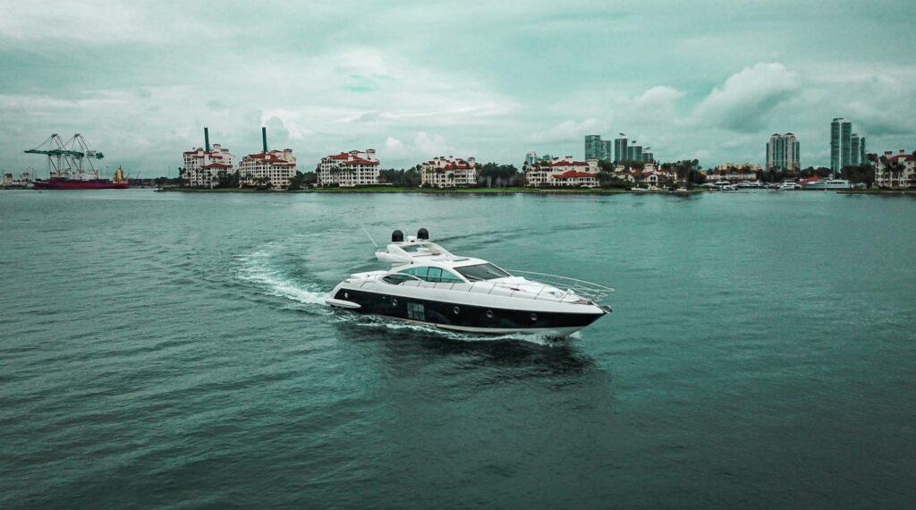 70-Azimut-South-Florida-Boat-Charter