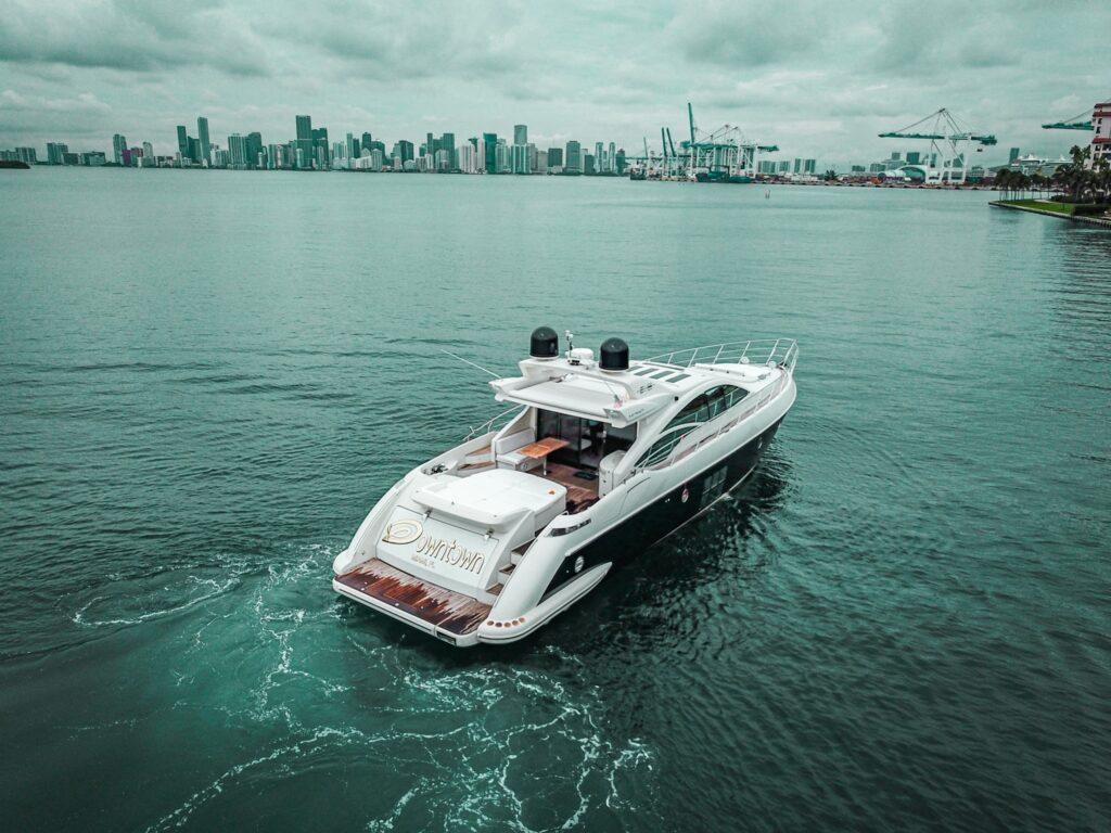 70-Azimut-South-Florida-Yacht-Charter