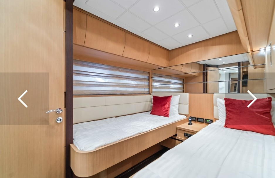 94' Pershing miami yacht charter