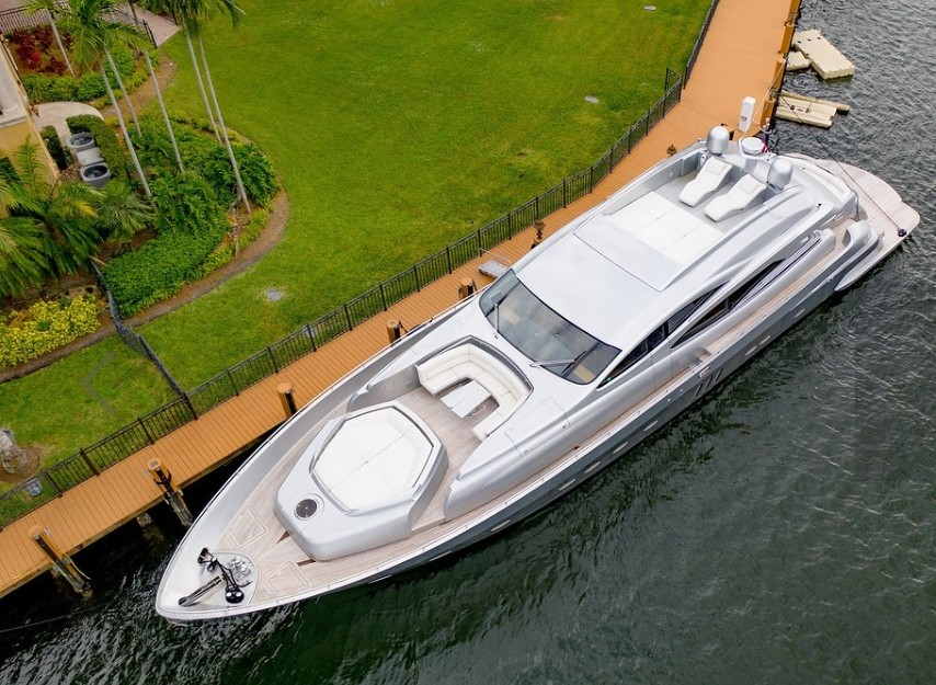 94' Pershing south florida yacht charters